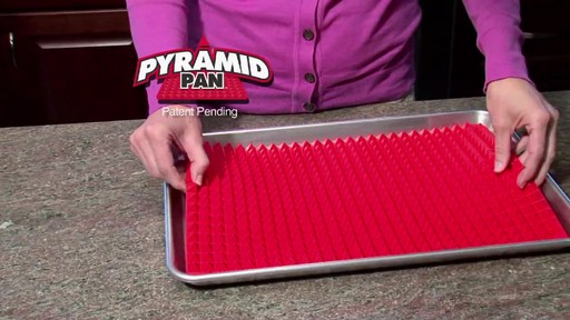 Silicone Baking Sheet Pyramid - image 2 from the video