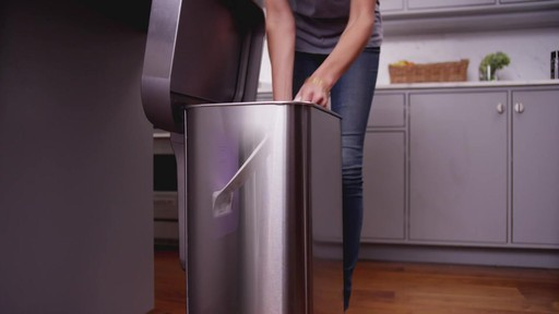 simplehuman® Trash Can with Liner Pocket - image 3 from the video