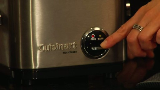 Cuisinart 4 Cup Rice Cooker - CRC-400 - image 10 from the video