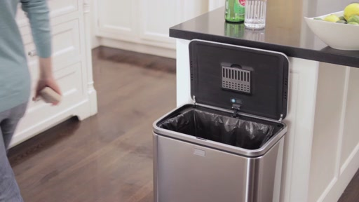 simplehuman Sensor Trash Can - image 4 from the video