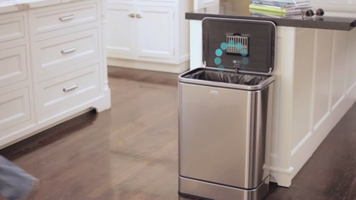simplehuman Sensor Trash Can - image 6 from the video