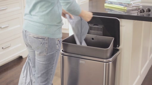 simplehuman Sensor Trash Can - image 8 from the video