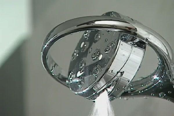 kohler flipside handheld shower head image 5 from the video