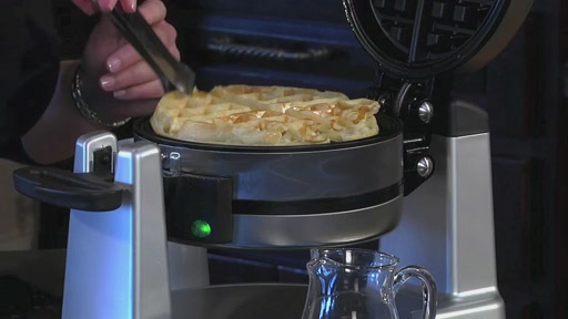 Waring Double Waffle Maker - WMK 600  - image 10 from the video