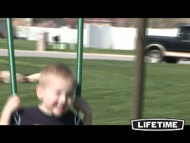 10 Ft Swingset - image 5 from the video