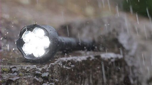Life Gear Outdoor 850 LED Flashlight - image 3 from the video