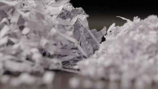GoECOlife GMW100P 10-Sheet Micro-Cut Shredder - image 5 from the video