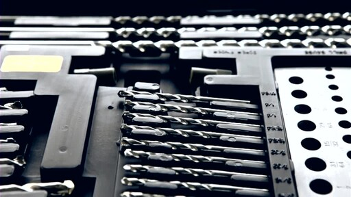 909® Tools 300-Piece Ultimate Super Drill Bit Set - image 4 from the video