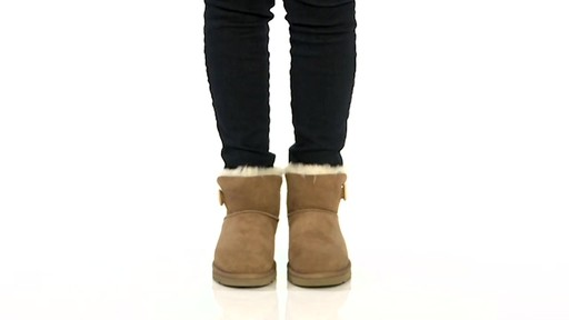 ugg australia classic mini bailey button chestnut womens boots