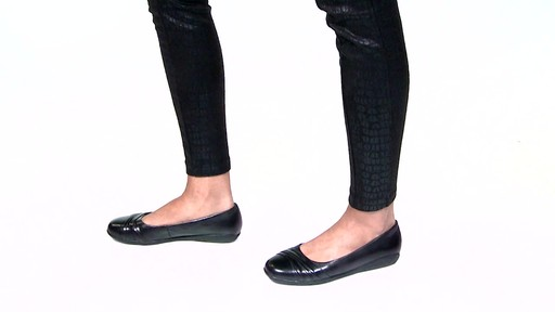 Women's Walking Cradles Flick Ballet Flats Video - image 8 from the video