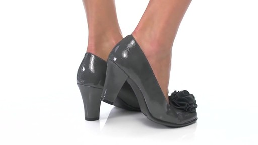 Women's Aerosoles Over_Role Pumps - image 5 from the video