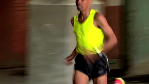 GARMIN Forerunner 610 - image 7 from the video
