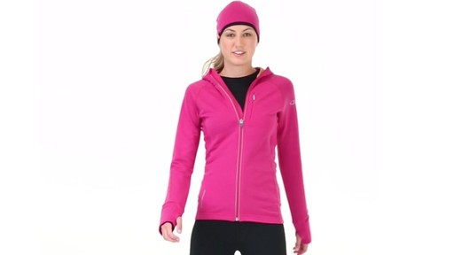 ICEBREAKER Women's Quantum Hoodie - image 4 from the video