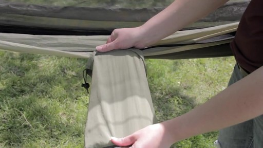 BYER Moskito Hammock - image 7 from the video