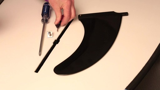 How to attach the fin to a Stand Up Paddleboard - image 2 from the video