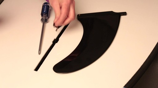 How to attach the fin to a Stand Up Paddleboard - image 3 from the video