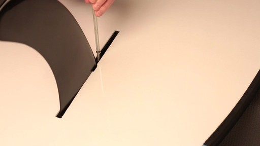 How to attach the fin to a Stand Up Paddleboard - image 8 from the video