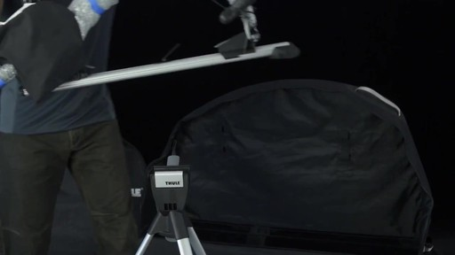 THULE Round Trip Pro - image 9 from the video