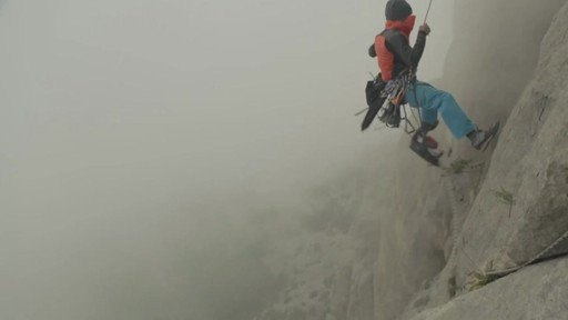 THE NORTH FACE Verto Micro Hoodie - image 7 from the video