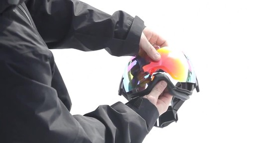SMITH I/OX Snow Goggles Lens Change - image 5 from the video