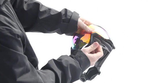 SMITH I/OX Snow Goggles Lens Change - image 6 from the video