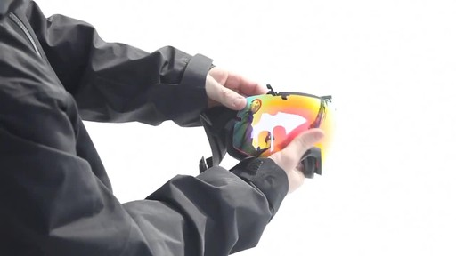 SMITH I/OX Snow Goggles Lens Change - image 8 from the video