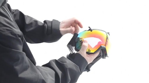 SMITH I/OX Snow Goggles Lens Change - image 9 from the video