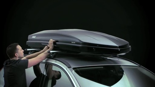 THULE Dynamic 900 Chrome Limited Edition Cargo Box - image 2 from the video