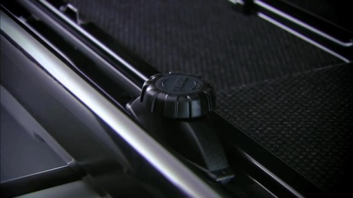 THULE Dynamic 900 Chrome Limited Edition Cargo Box - image 4 from the video