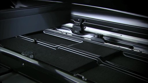 THULE Dynamic 900 Chrome Limited Edition Cargo Box - image 8 from the video