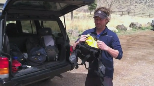 Mountainsmith Daylite Lumbar Pack - image 3 from the video