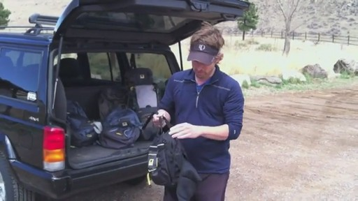 Mountainsmith Daylite Lumbar Pack - image 8 from the video