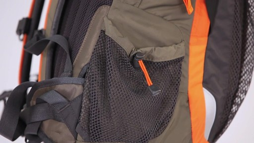 THE NORTH FACE Men's Daypacks - image 5 from the video