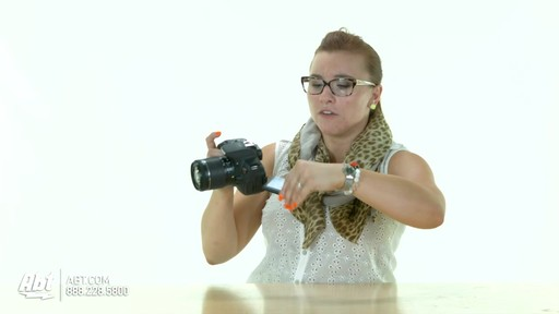 Canon EOS Rebel T5i DSLR : Canon at Abt Electronics - image 6 from the video