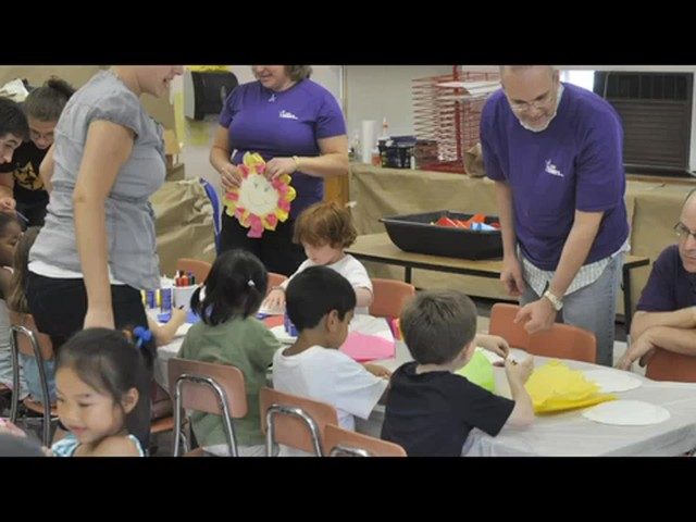 1-800-FLOWERS.COM's Summer of a Million Smiles - image 4 from the video